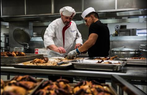 sodexo employee preparing food